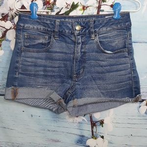 American Eagle Outfitters High-Rise Short | Size 6